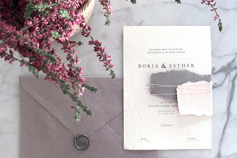 Invitaciones de boda con papel hecho a mano